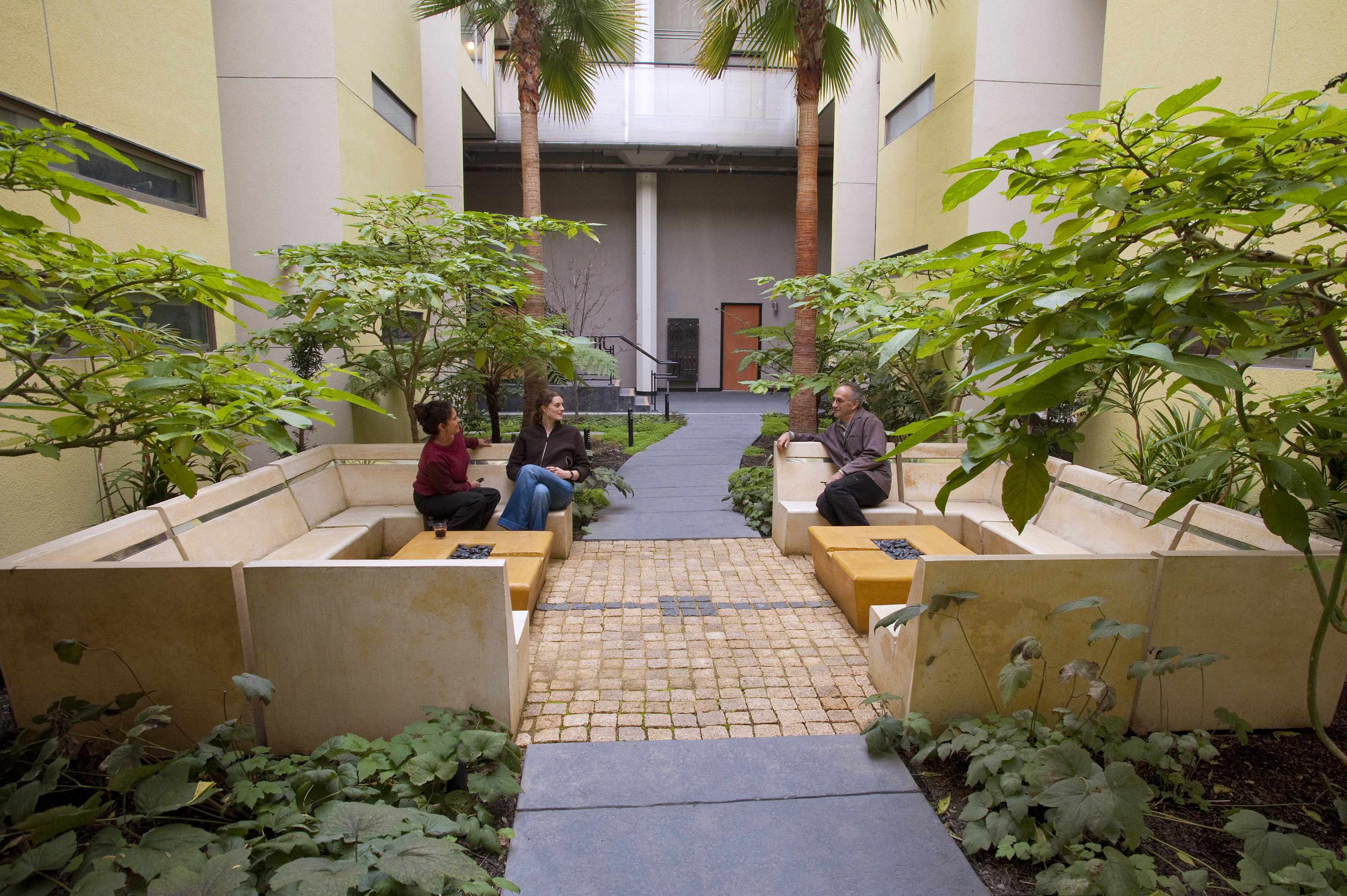 Contemporary Residential Garden Design. ASLA 2010 Professional Awards  Pacific Cannery Lofts