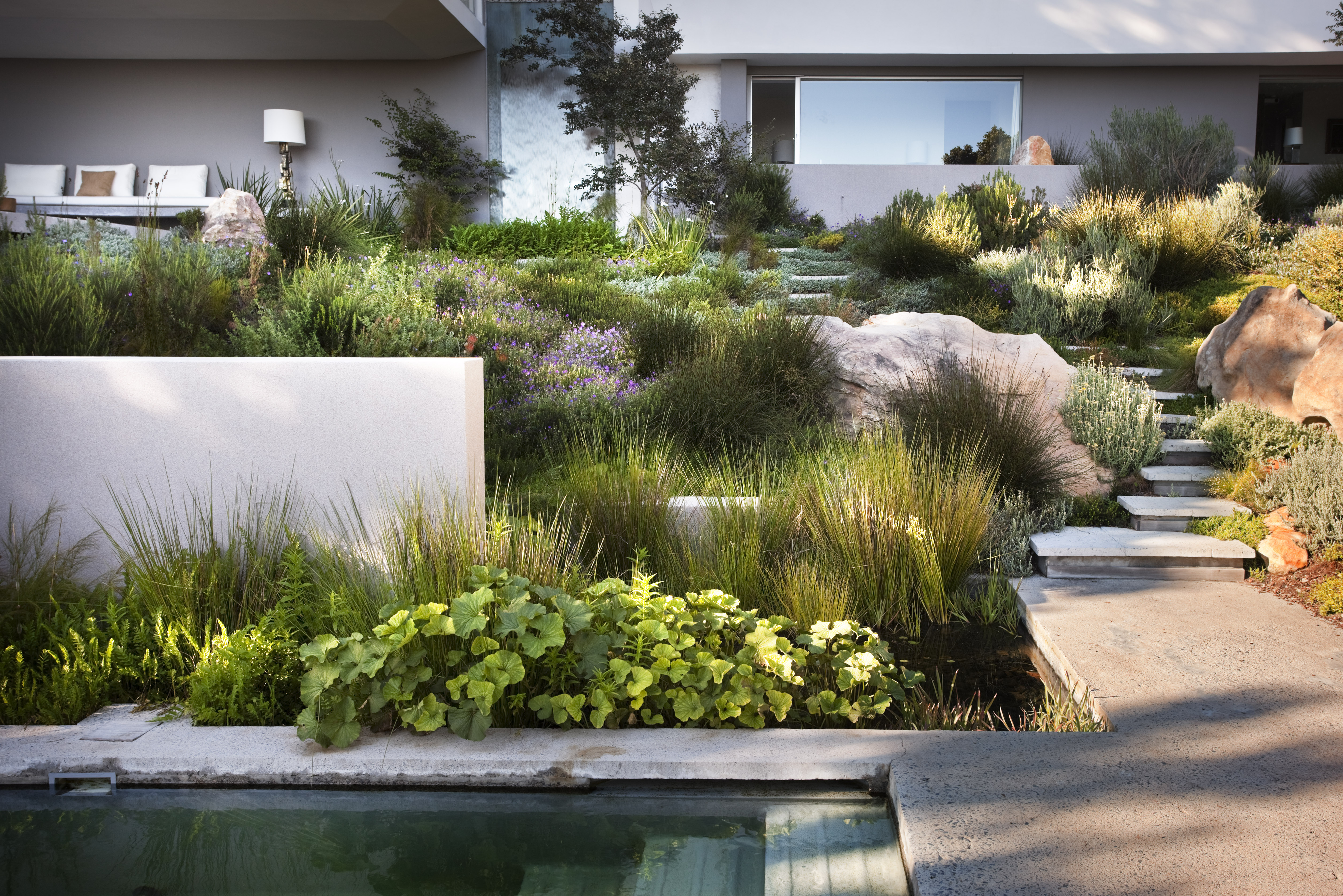 Asla 2010 professional awards bridle road residence for South african garden designs