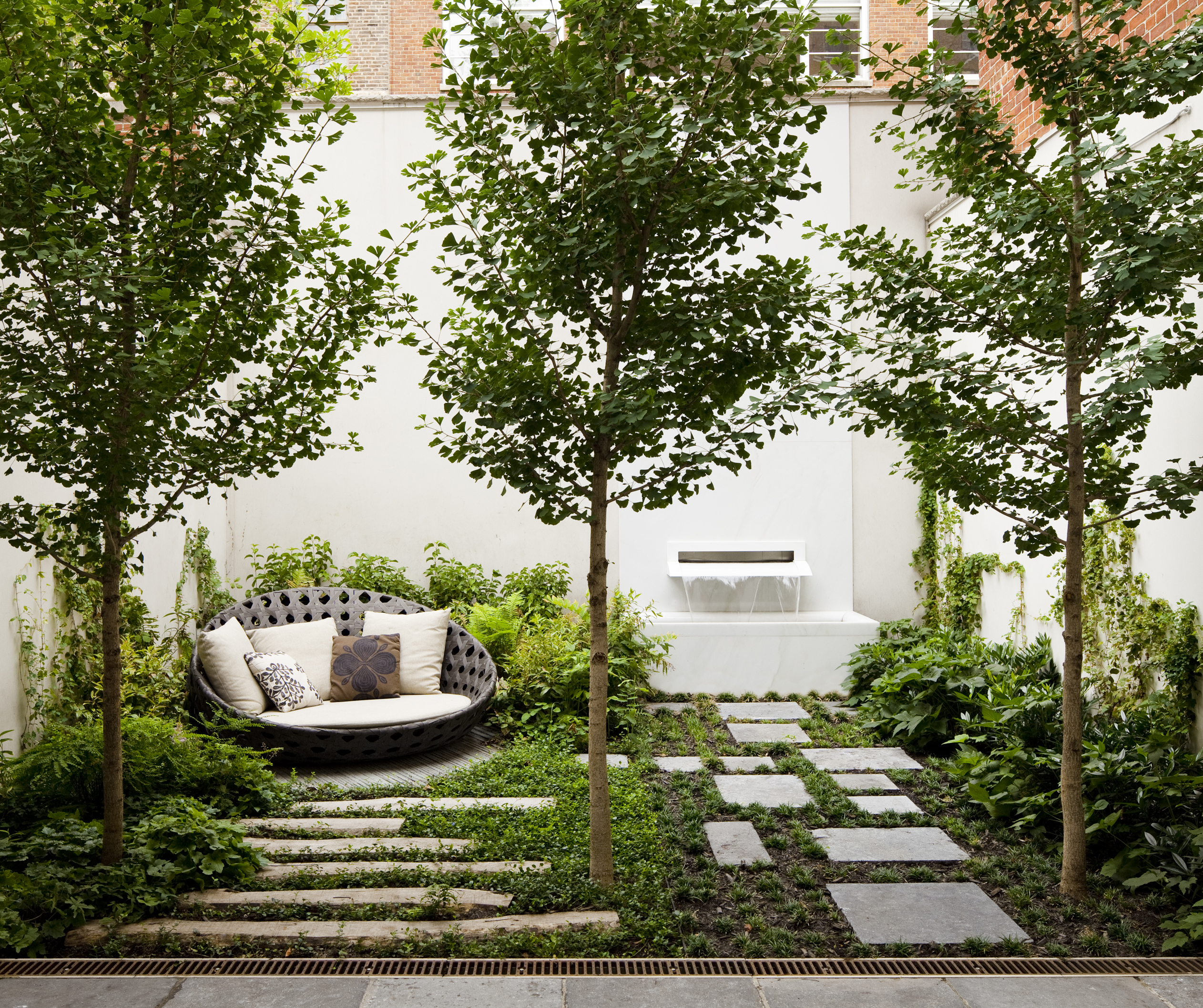 Asla 2011 professional awards carnegie hill house for Disenos de patios traseros