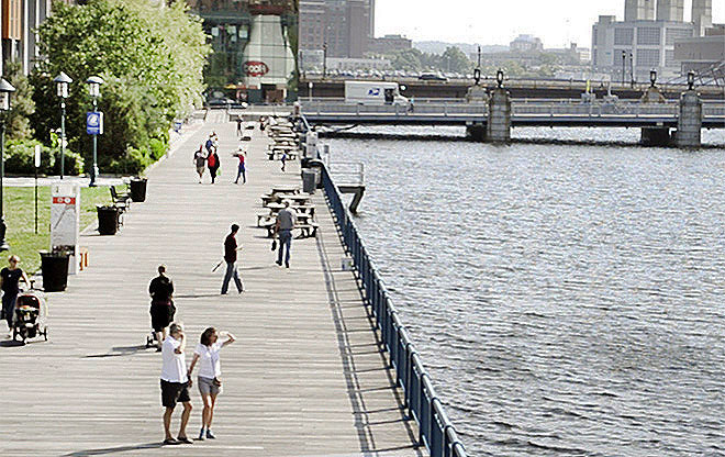 Children's Wharf from the Evelyn Moakley Bridge